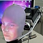 Mask-Bot: Roboter erhält realistisches Gesicht durch Projektion