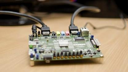 Das FPGA-Board manipuliert den HDMI-Datenstrom.
