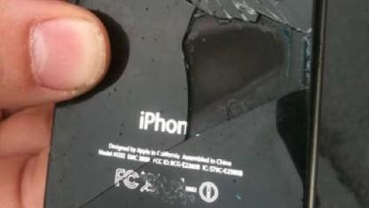 Das rauchende iPhone 4 des Flugs ZL319