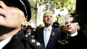 Julian Assange nach der Verhandlung vor dem High Court in London