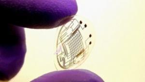 Kontaktlinse mit Bildschirm: Fresnel-Linse integriert