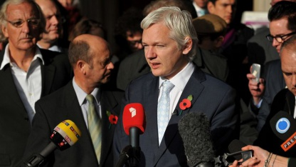 Julian Assange Anfang November 2011 nach der Ablehnung der Berufung