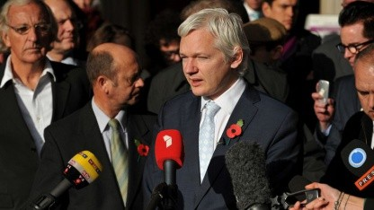 Allgemeine öffentliche Bedeutung: Julian Assange Anfang November 2011 nach der Ablehnung der Berufung