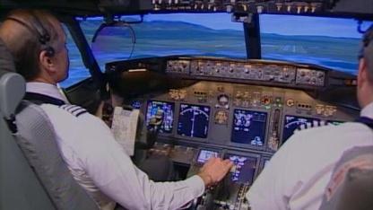 AA-Piloten im Simulator: zwei iPads im Cockpit unbedenklich