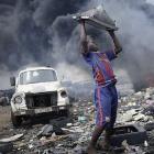 Behind The Screen: Fünfjährige Kinder zerlegen Elektronikschrott in Ghana