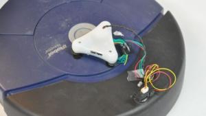 Verbindung auch per Kabel: Brainlink und Roomba