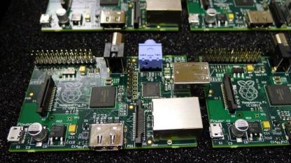 Prototypen des Raspberry Pi werden bei eBay versteigert.