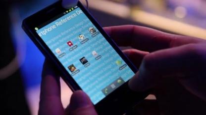 Smartphone mit Intels Atom Z2460