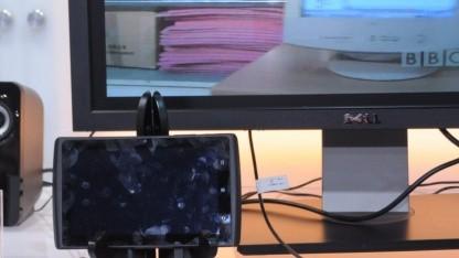 Tablet schickt sein Bild per MyDP an einen Monitor,