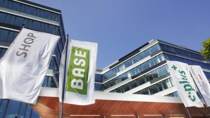 Neuer Base-Basistarif startet am 1. Februar 2012.