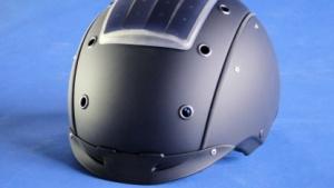 Mit 3D-Solarmodul: Skihelm versorgt integriertes Bluetooth-Headset mit Energie