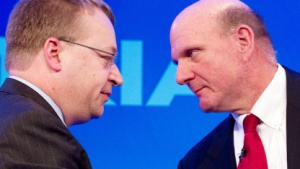 Nokia-Chef Stephen Elop und Microsoft-Chef Steve Ballmer im Februar 2011