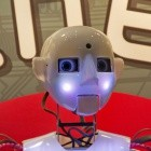 Umfrage: Roboter sollen schleppen, aufpassen, Fenster putzen
