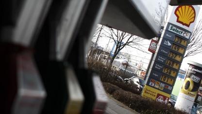 Shell-Tankstelle in Wiesbaden im Februar 2011