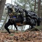 Transportroboter: Darpa testet Alpha Dog im Gelände
