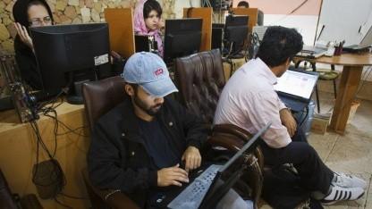 Nutzer in einem Teheraner Internetcafé: keine Proxys, keine E-Mail, kein Onlinebanking