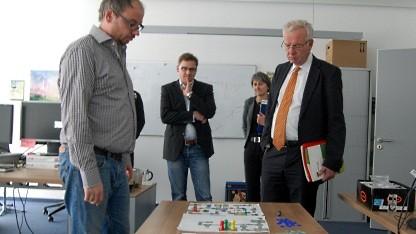 Thomas Kreuzer (r.) zu Besuch bei Travian Games