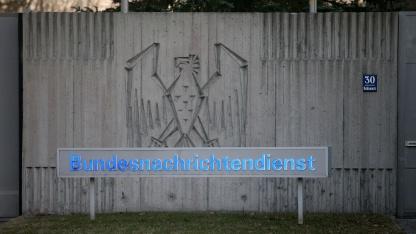 Überwachung: Deutsche Geheimdienste durchsuchen 37,3 Millionen E-Mails