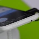 Hands on One X und One S: Displays in HTCs dünnen Smartphones spiegeln wenig