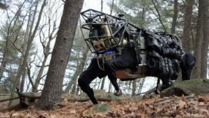 Alpha Dog: Transportroboter und mobile Ladestation