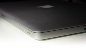 Gerüchte: Apples flaches Macbook Air im XL-Format kommt im April