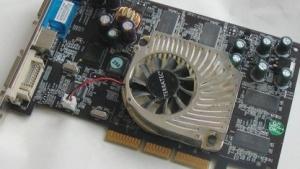 Alte Hardware wie diese Geforce 4200 bereitet erheblichen Mehraufwand.