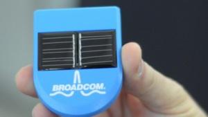 Broadcoms Konzeptstation mit Solarzellen und einem Befestigungsmagnet