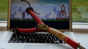 Astgabel und etwas Elektronik: Schleuder-Controller für Angry Birds