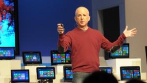 Steven Sinofsky kündigt die Windows 8 Consumer Preview an.