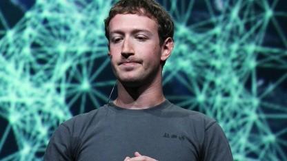 Nutzer melden Facebook is down.