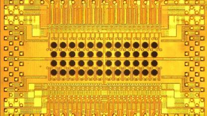 Löchrig: Holey Optochip von IBM
