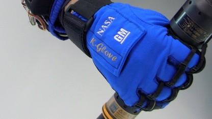 Der Robo-Glove soll Arbeiter vor dem Syndrom Repetitive Strain Injury schützen.