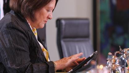 Sabine Leutheusser-Schnarrenberger am iPad