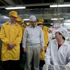 Apple: Tim Cook besucht Foxconn-Fabrik