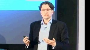 Erik Huggers spricht über Intel und Smart TV am 3. August 2011.