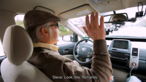 Der fast blinde Steve Mahan auf dem Fahrersitz des Google-Roboterautos