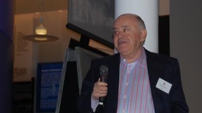 Jack Tramiel im Jahr 2007 auf einer Veranstaltung zu 25 Jahren C64