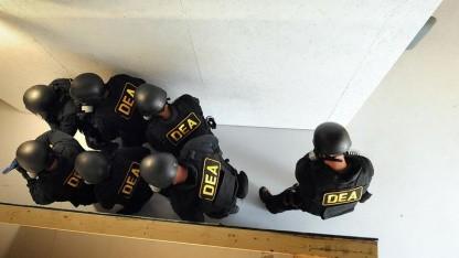 Beamte der US-Drogenfahndung bei einer Übung (Archivbild):  Anbieter überprüft, Lieferung garantiert