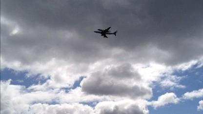 Fast da: Enterprise-Transport dreht Ehrenrunde über New York