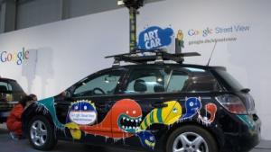 Street-View Fahrzeug (auf der Cebit 2010): Ausmaß der Datensammlung nicht angemessen geklärt