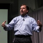 Yahoo-Chef: Konzentration auf die Arbeit, nicht auf falschen Bachelor