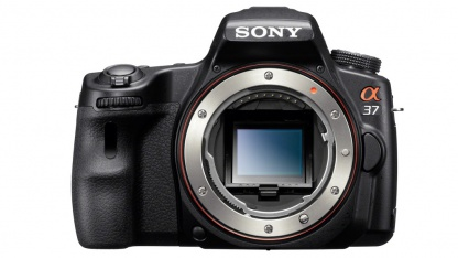 Hier bewegt sich nichts: Sony SLT-A37 mit festem Spiegel