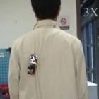 Clothbot: Roboter klettert am Hosenbein hoch