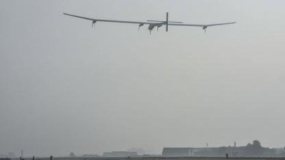 Solar Impulse kurz nach dem Start in Payerne