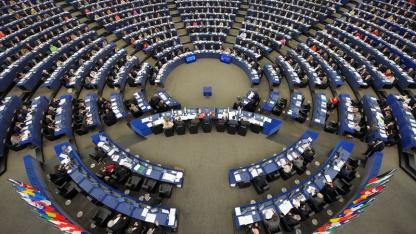 Sitzungssaal im EU-Parlament: überarbeitete Datenschutzrichtlnie der EU tritt in Kraft