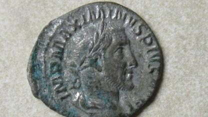 Münze des Kaisers Maximinus Thrax (235-238)