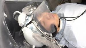 Roboter: Panasonic testet Haarwaschroboter beim Friseur