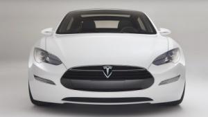 Tesla Model S: ein Monat früher auf dem Markt