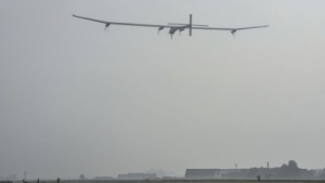 Solar Impulse kurz nach dem Start in Payerne