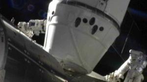 SpaceX: Dockingmanöver an der ISS abgeschlossen